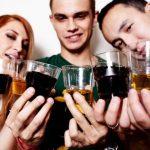 Употребление спиртного может вылиться в серьезные проблемы с кожей