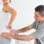 Основные симптомы спинной грыжи и ее лечение