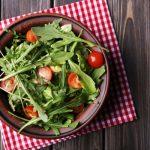 Чем полезна руккола и как лучше ее употреблять: советы диетолога